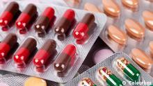 Haufen von bunten Pillen