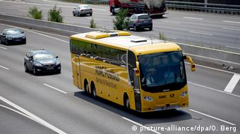 ADAC Fernbus in Cologne, Copyright: picture-alliance/dpa/O. Berg