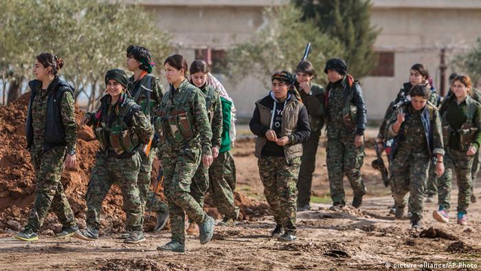 Syrien kurdische Kämpferinnen des YPG