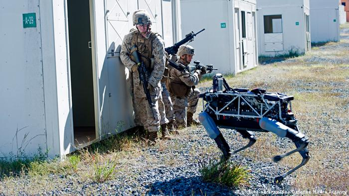 US Marines with robot