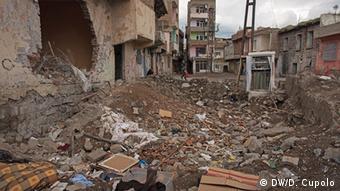Türkei Diyarbakir Bombenkrater eines Hauses