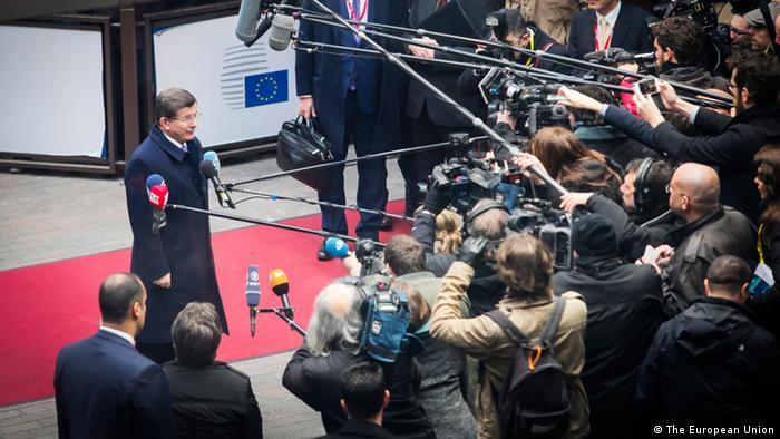 Brüssel EU-Gipfel - Türkischer Premierminister Ahmet Davutoglu (Foto: The European Union/DW)