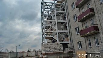 В одному з корпусів будівлі, відведеної під центр прийому біженців, продовжуються ремонтно-будівельні роботи