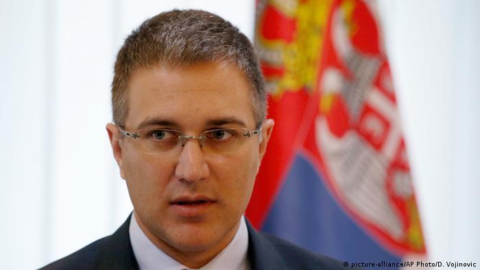 Ungarn Serbiens Innenminister Nebojsa Stefanovic