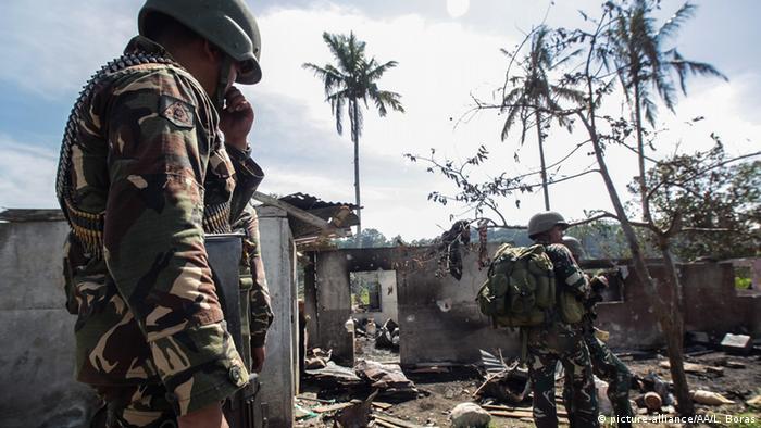 Philippine soldiers during anti-terrorism raid in Lanao del Sur