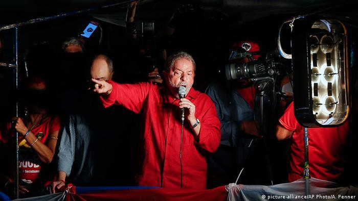 Brasiliens ehemaliger Präsident Luiz Inácio Lula da Silva (picture-alliance/AP Photo/A. Penner)