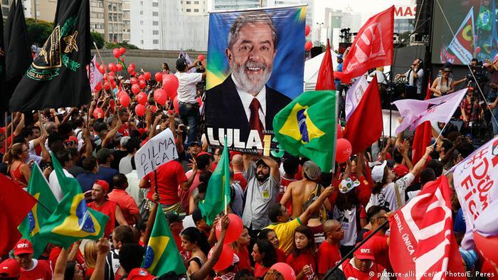 Brasilien Demonstration pro Lula und Dilma Rousseff