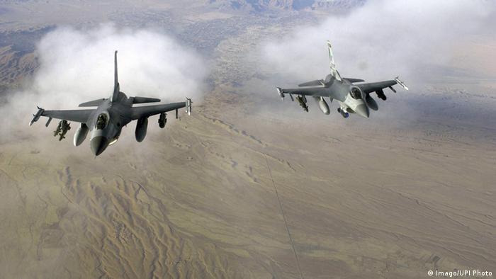 US-Kampfjets F16 im Einsatz über Afghanistan (Copyright: imago/UPI Photo)