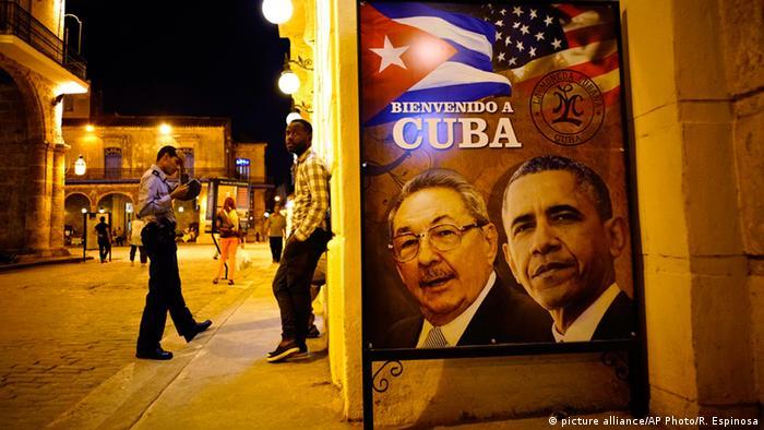 Afiş, la Havana, cu liderii SUA şi Cubei, Barack Obama şi Raul Castro
