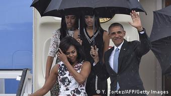 اوباما همراه با همسر و دو دختر خود وارد هاوانا شد