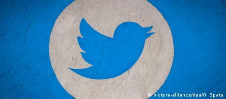 Logo des Kurznachrichtendienstes Twitter, (picture-alliance/dpa/O. Spata)