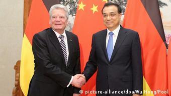 China Peking BPr Joachim Gauck (R) und Premier Li Keqiang