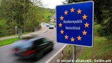 Symbolbild Einreise Deutschland Grenze, Grenzschild