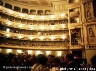 Ópera de Dresden de Gottfried Semper: por dentro, Apolo; por fora, Dionísio