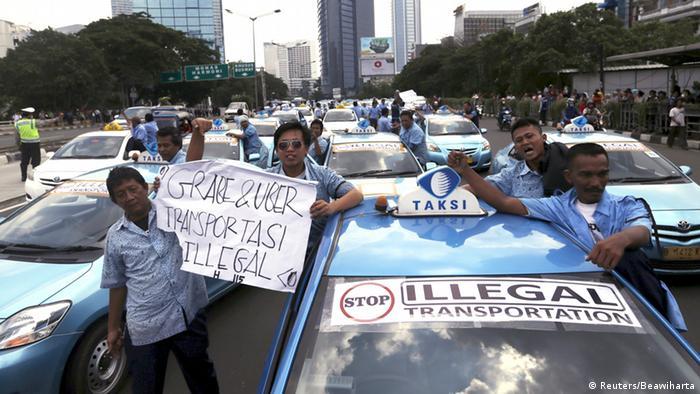Indonesien Streik der Taxi Fahrer in Jakarta