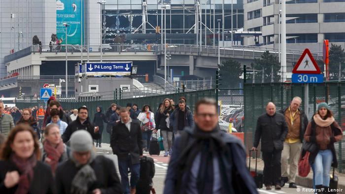 пассажиров эвакуируют из аэропорта Завентем