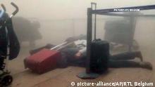 Belgien Brüssel Flughafen Zaventum Terminal Reisende Verletzte