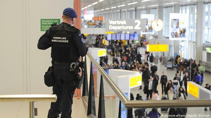 Niederlande Flughafen Amsterdam verstärkte Sicherheitsmaßnahmen