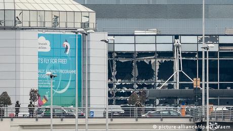 Fachada do aeroporto de Zaventem após atentado