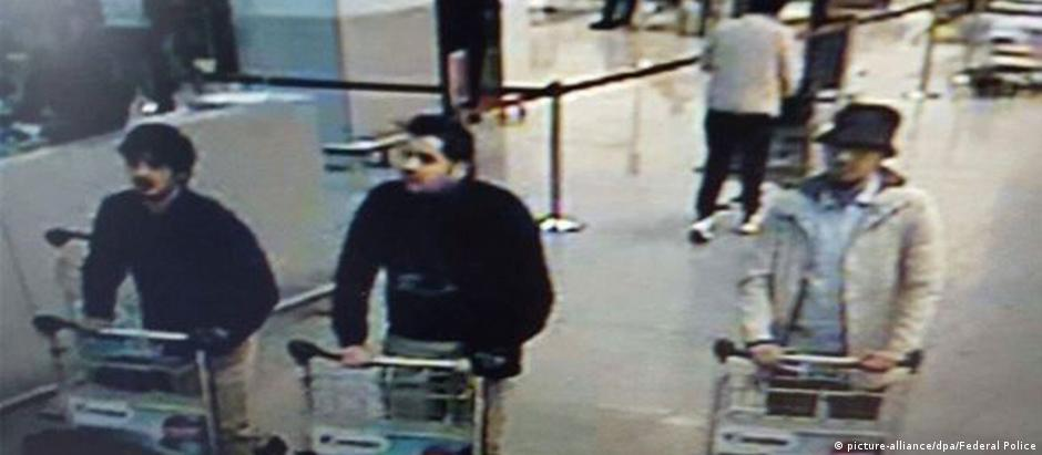Suspeito preso estaria usando jaqueta branca e chapéu no dia do atentado
