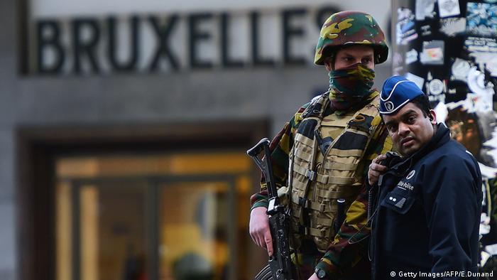 Belgien Brüssel Sicherheitskräfte Militär Polizei