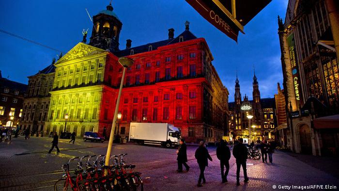 Niederlande Beleuchtung Belgien Flagge Anschläge Terror königlicher Palast