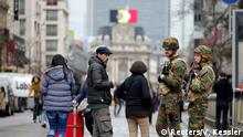 Brüssel Tag 1. 23.03.2016 ****Belgian troops on patrol in cenral Brusselsl following Tuesday's bomb attacks in Brussels, Belgium, March 23, 2016. REUTERS/Vincent Kessler © Reuters/V. Kessler