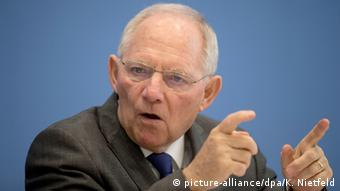 Έντονη κριτική προς την ΕΚΤ από τον Βόλφγκανγκ Σόιμπλε.