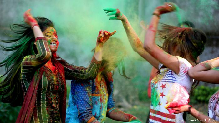 Holi festival in India, Copyright: picture-alliance/dpa/S. Gupta
