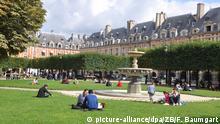 Frankreich Paris Park Place des Vosges im Marais