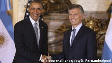 23.03.2016, Argentinien President of Argentina Mauricio Macri (R) welcomes US President Barack Obama at the Casa Rosada in Buenos Aires, Argentina, 23 March 2016. Obama is visiting Argentina following a historic visit to Cuba. Copyright: picture-alliance/dpa/D. Fernandez/Pool