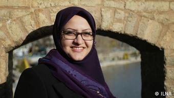 در انتخابات هفتم اسفند، مینو خالقی با کسب بیش از ۱۹۳ هزار رأی به عنوان نفر سوم اصفهان برای حضور در مجلس دهم انتخاب شد.