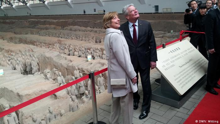 Joachim Gauck visiting the Terracotta Army in China