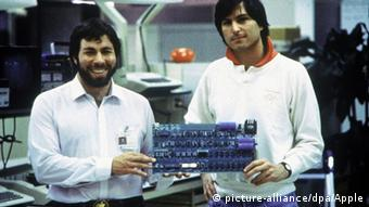 40 years ago: Apple founders Steve Wozniak (left) and Steve Jobs; Ronald Wayne is not pictured Copyright: picture-alliance/dpa/Apple