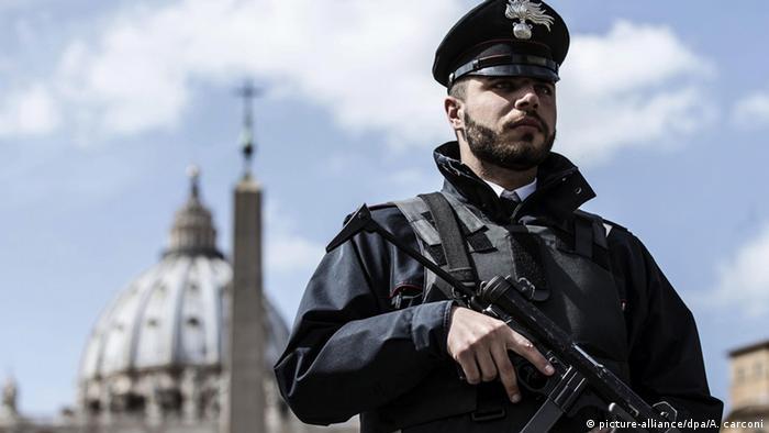 Полицейский в Ватикане