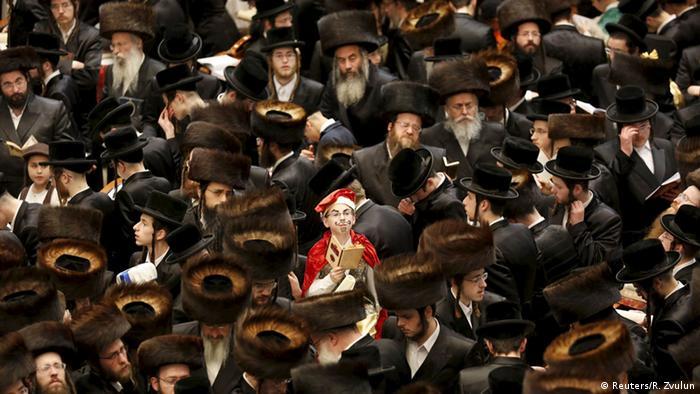 Israel Jerusalem Purim Fest Ultra-Orthodoxe Juden Belz chassidische Bewegung (Reuters/R. Zvulun)