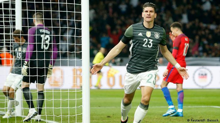 Fußball - England - Deutschland (Reuters/F. Bensch)