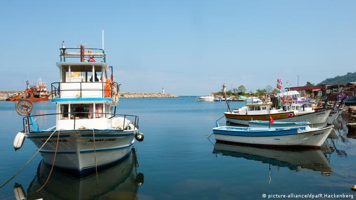 Hafen von Mersin Türkei Kutter