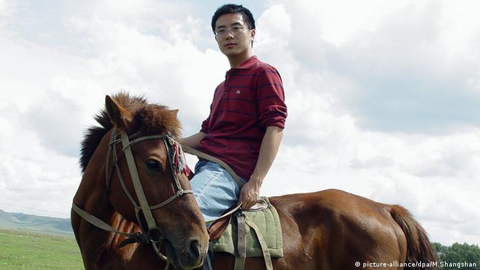 Jia Jia Journalist Schriftsteller Peking auf einem Pferd China