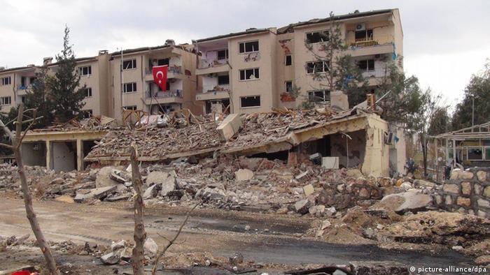 Türkei PKK Nusaybin Zerstörung Konflikt (picture-alliance/dpa)