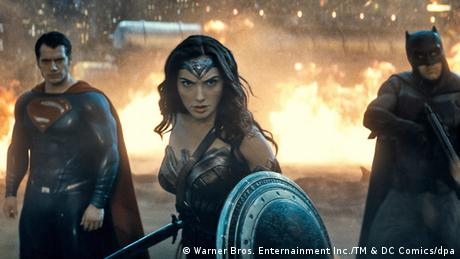 Filmstill Batman vs Superman Gal Gadot als Wonder Woman (Warner Bros. Enternainment Inc./TM & DC Comics/dpa)