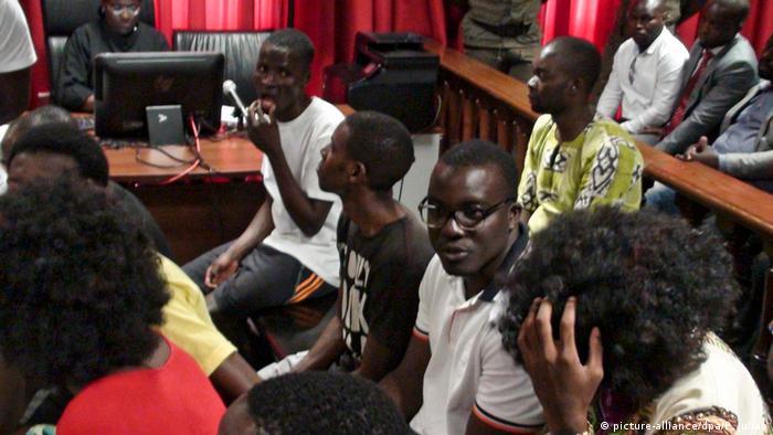 Angola Medien Prozess Aktivisten in Luanda (picture-alliance/dpa/P. Juliao)