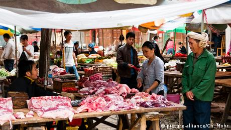 A meat-market in China (picture-alliance/Ch. Mohr)