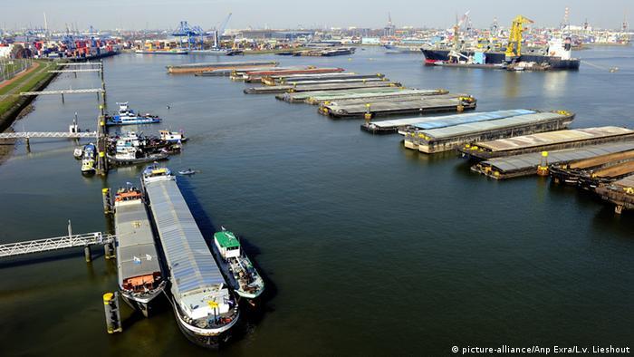 Vista geral do porto de Roterdã