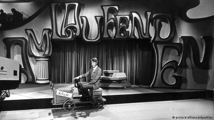 Moderator Rudi Carrell - Sendung Am laufenden Band
