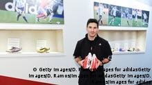 Leo Messi präsentiert seine Adidas Schuhe 2013