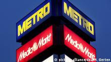 Deutschland Logos der Metro Group in Düsseldorf