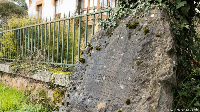 stone monument copyright: Martinez-Conde
