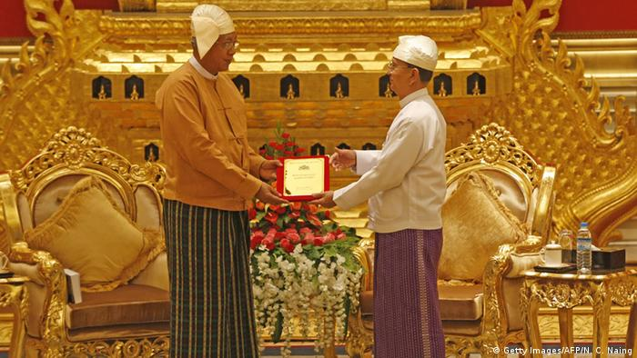 Myanmar Vereidigung Regierung - Htin Kyaw & Thein Sein (Getty Images/AFP/N. C. Naing)