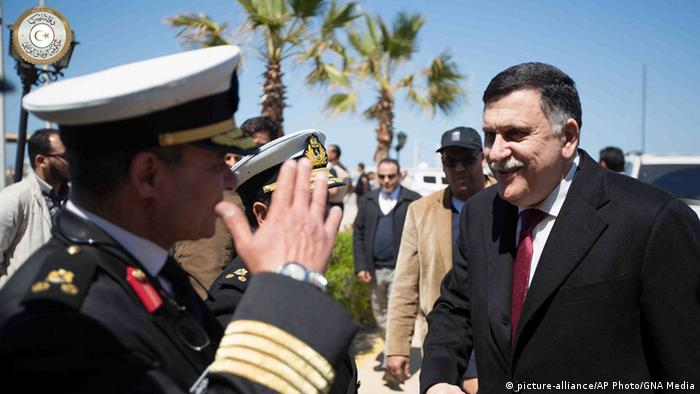Libyen Tripolis Fayez Serraj Einheitsregierung (picture-alliance/AP Photo/GNA Media)